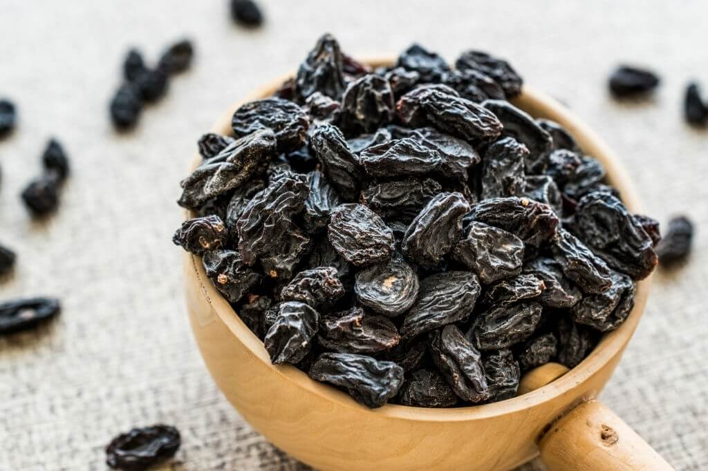 siyah kuru üzüm faydaları