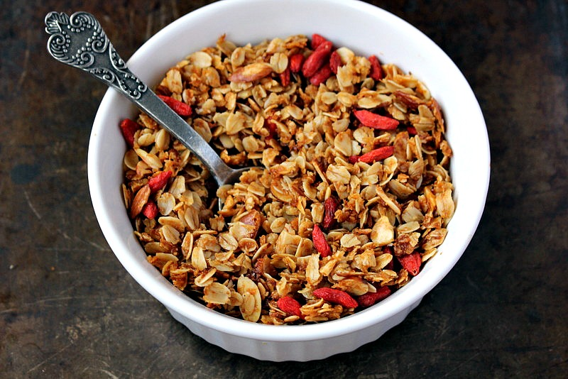 goji berryli granola