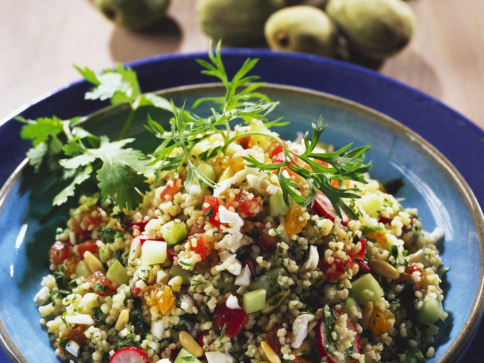 kuru yemişli bulgur salatası